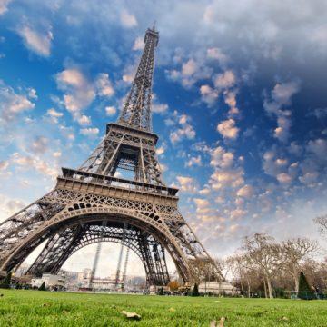 Романтический символ Парижа свободен от карантина